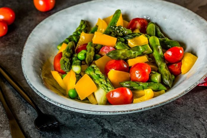 Vegetarian Salad With Asparagus
