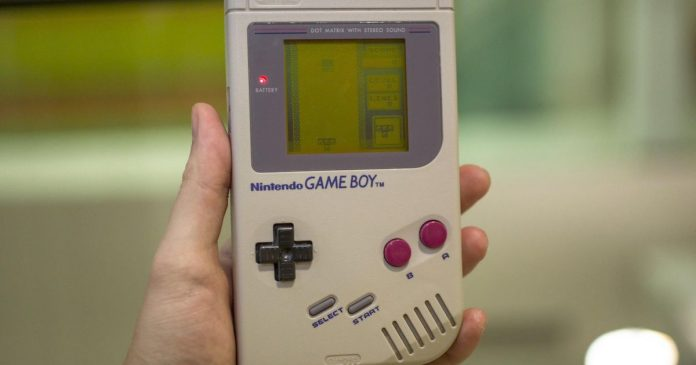 The Game Boy turns 30 years old, Samsung Galaxy Fold officially delayed - Video