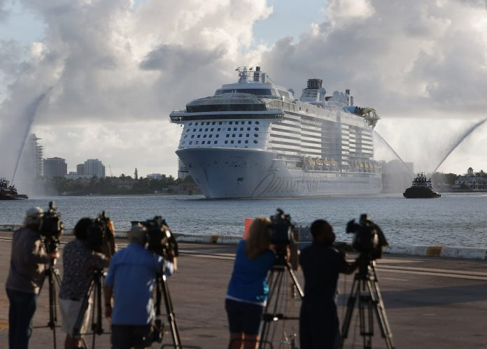 Appeals court blocks CDC restrictions on cruises in win for Florida