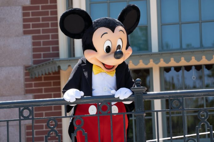 Disney tells salaried and non-union employees they must be vaccinated