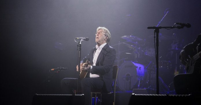 Eric Clapton won't play venues if they require vaccinations