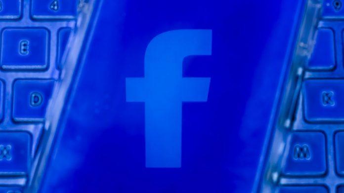 facebook-logo-8005