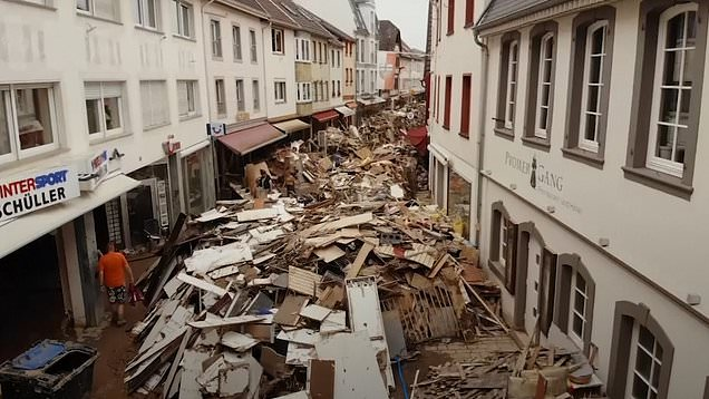 German town comes to terms with seven metre high flash flood aftermath