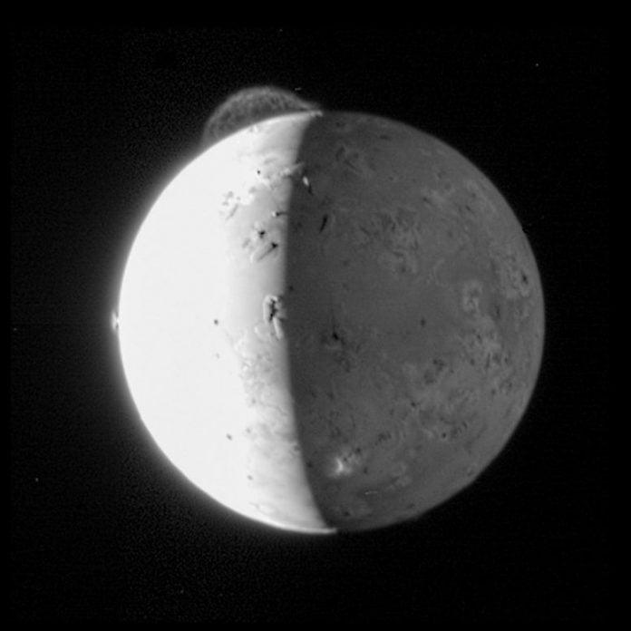 New Horizons Io Tvashtar Volcano Plume