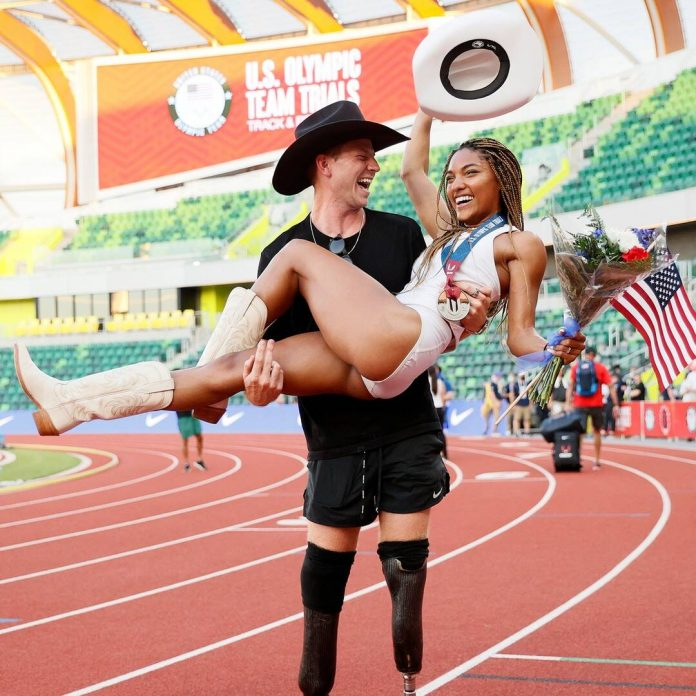 How Tara Davis and Hunter Woodhall Ran Away With Each Other's Hearts - E! Online