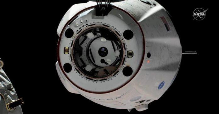 SpaceX Crew Dragon returns to Earth, Elizabeth Warren sets sights on Apple - Video
