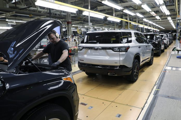 GM misses Wall Street Q2 earnings expectations, raises 2021 guidance