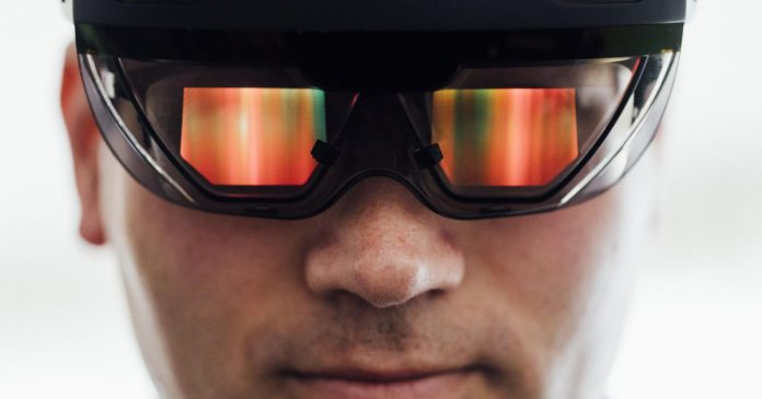 Microsoft CEO defends $480 million HoloLens contract with the US Army
