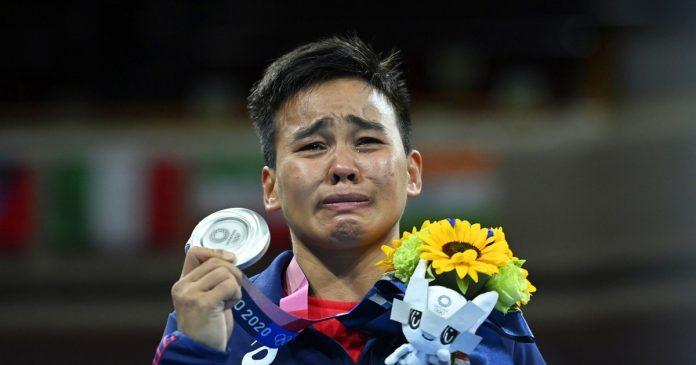 Olympic boxer Nesthy Petecio dedicates silver medal to LGBTQ community
