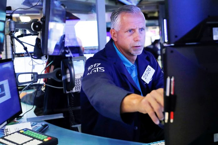 Stock futures lower after S&P 500 reaches fresh record