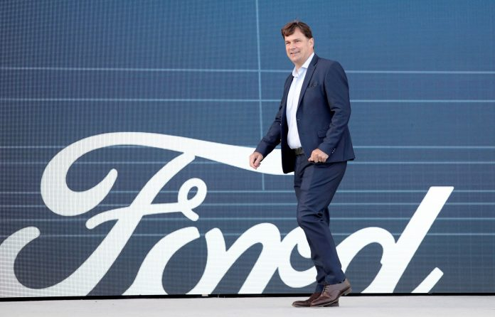 Ford taps Lowe's executive to lead data and software transformation