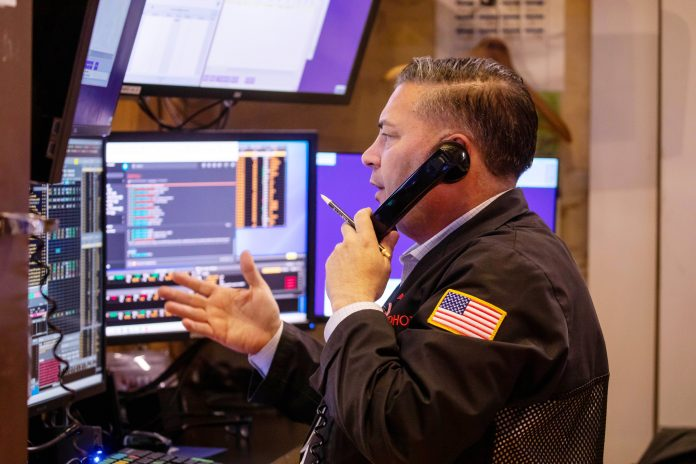 Stock futures rise after market ends wild week in the green