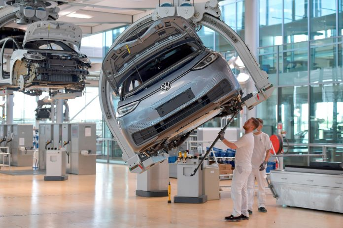 VW, Ford, Daimler fear chip shortage could persist for some time